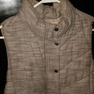 Gap cloth puffer vest